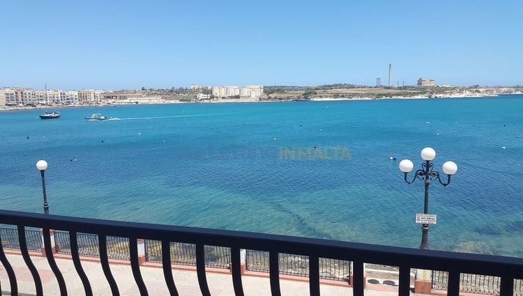 Rent Seafront Townhouse Malta