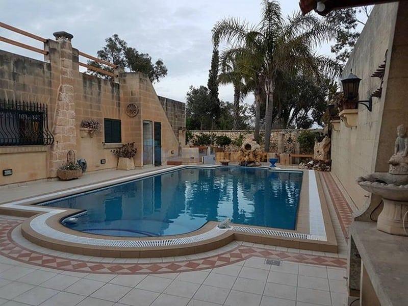 Bungalow For Rent in Malta