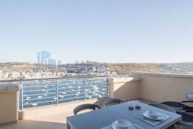 Rent Xemxija Penthouse Seafront