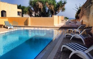 Rent a Villa in Malta