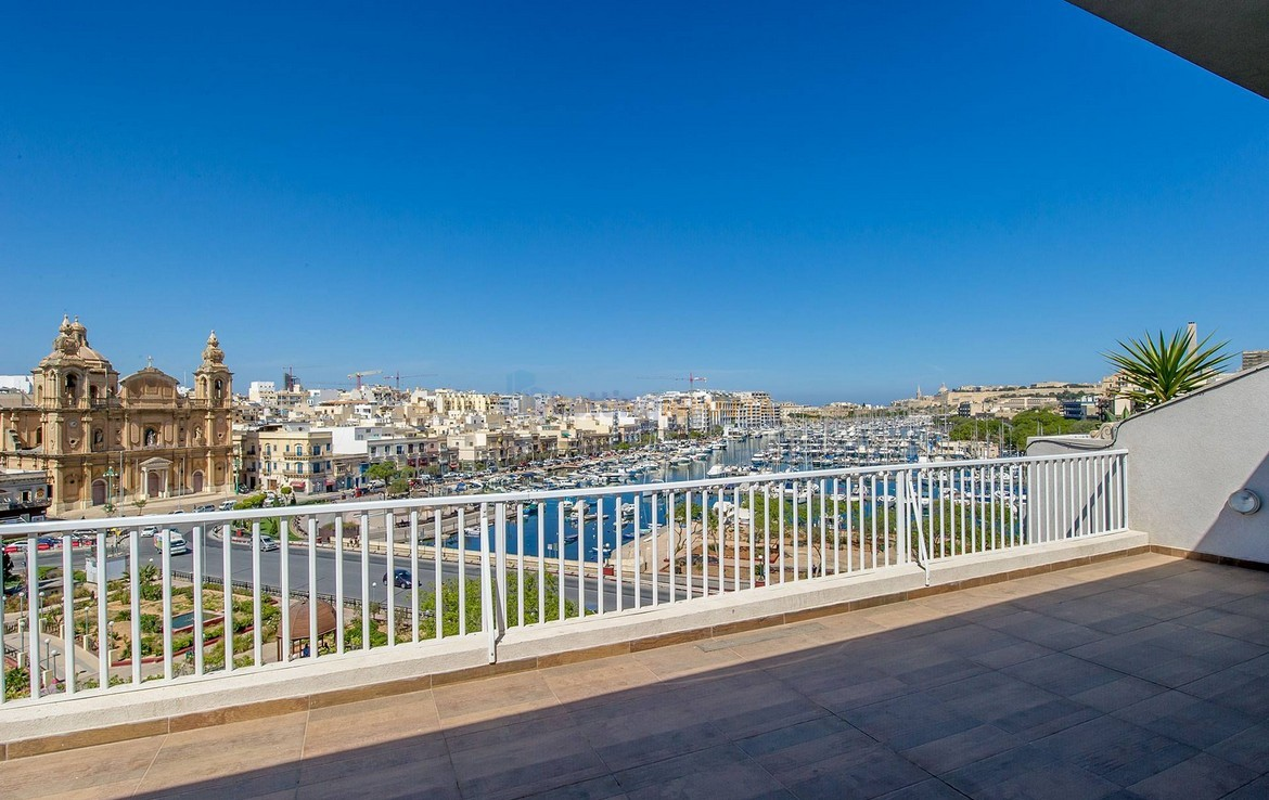 Rent Penthouse Sea Views Malta
