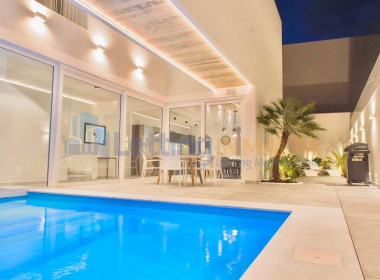 Rent Villa With Pool in Malta