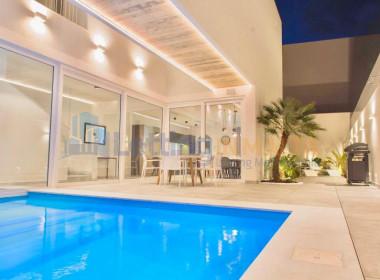 Rent Villa With Pool in Malta