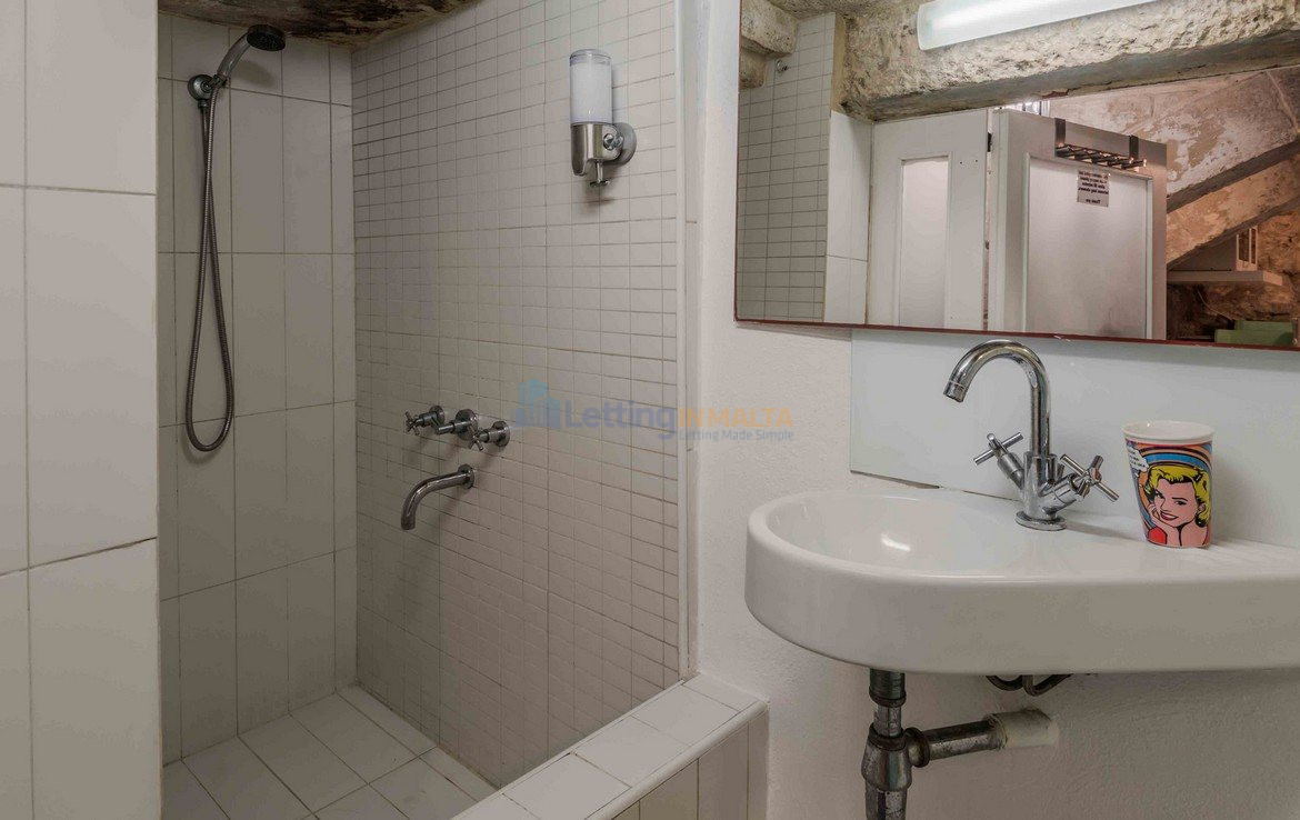Valletta House To Let